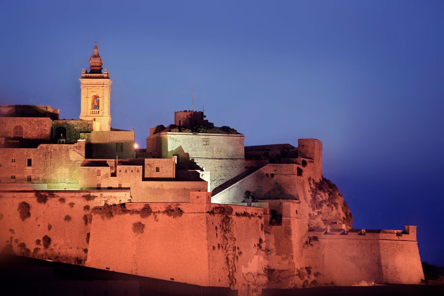 Gozo – Enjoy Malta's sister island in style with a luxury chauffeur service